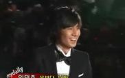 Cú ngã để đời của Lee Min Ho trên thảm đỏ